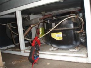 remont-holodilnikov-electrolux_003-300x225 Как поменять уплотнитель холодильника самостоятельно