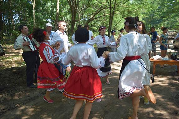 1-1-3 Болгарская молодежь провела мини-фестиваль в Болградском районе