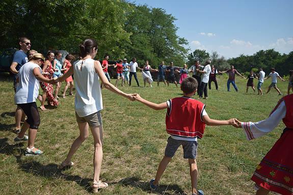 1-4-1 Болгарская молодежь провела мини-фестиваль в Болградском районе