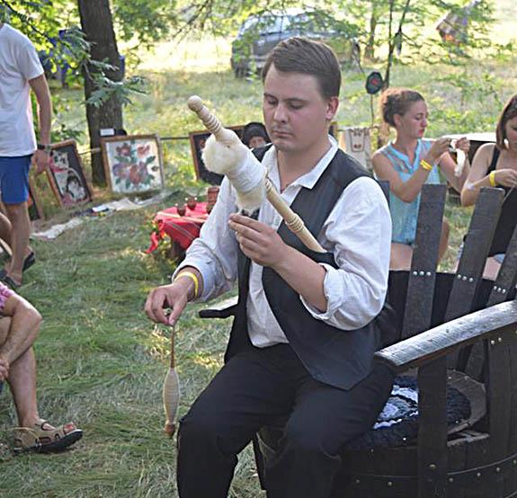 1-5-1 Болгарская молодежь провела мини-фестиваль в Болградском районе