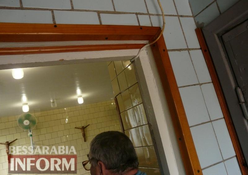 """""""Тут вам не конфетная фабрика"""": жилой квартал возле морга в Измаиле задыхается от трупного запаха"""