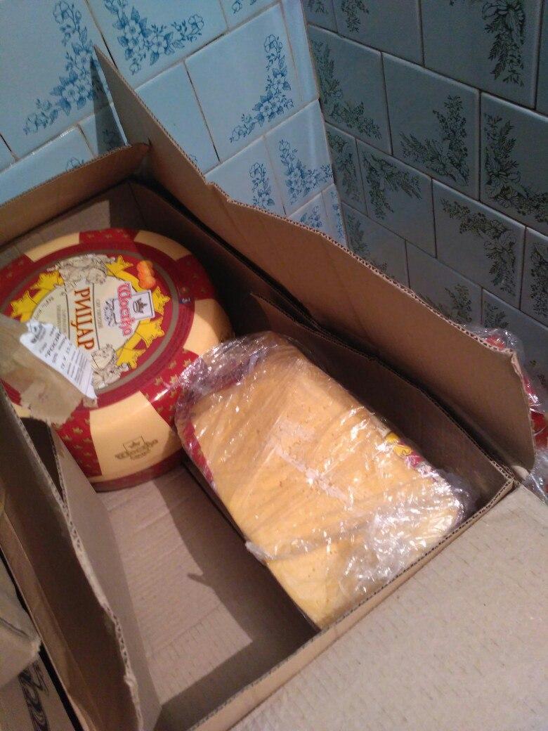 BHeSZjQVk7o Осторожно — еда! В Измаиле со склада молочной продукции сбывают порченный товар с перебитыми датами