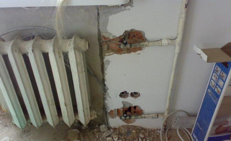 «Первый звонок» со строительной бригадой: в одной из школ Рени серьезно отстают от графика ремонта