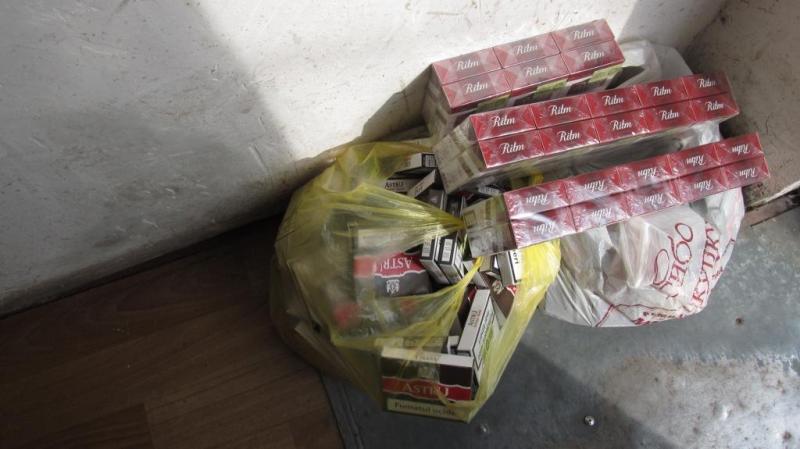 """IMG-20170828-WA0001 В Тарутинском районе пограничники обнаружили машину, """"нафаршированную"""" контрабандными сигаретами"""