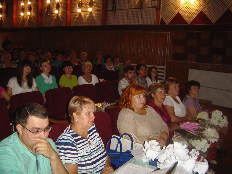 Konferenciya-pedagogichnikh-pracivnikiv-Sarata-01 Педагоги Саратского района приняли участие в итоговой августовской конференции