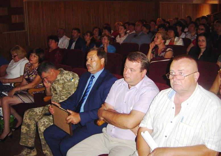 Konferenciya-pedagogichnikh-pracivnikiv-Sarata-02 Педагоги Саратского района приняли участие в итоговой августовской конференции