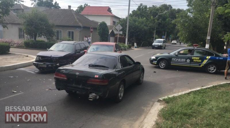 avariya-v-Izmaile В Измаиле на улице Белгород-Днестровской произошло тройное ДТП