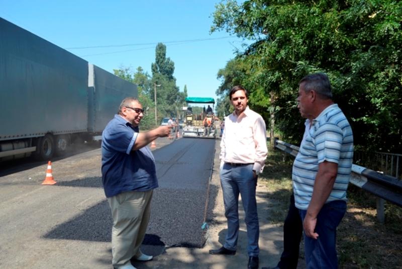 dsc0011 В Болградском районе начался ремонт дороги, соединяющей Украину с Молдовой