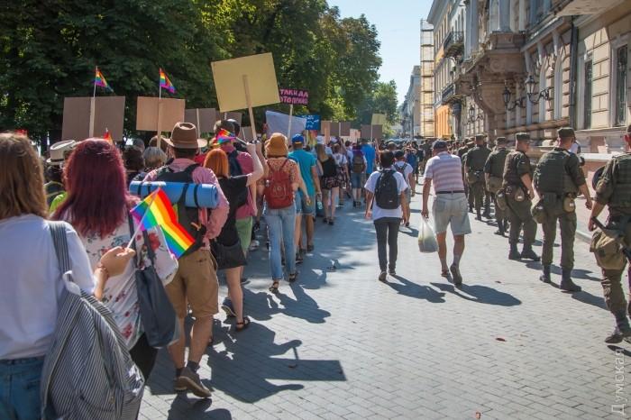 picturepicture_31238440194911_41509 Марш Равенства представителей ЛГБТ-сообщества «Одесса-Прайд» до финиша не дошел