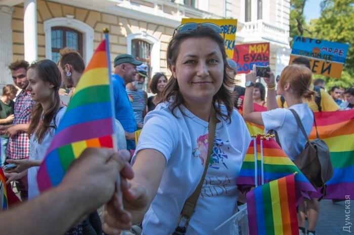 picturepicture_39867435194901_23307 Марш Равенства представителей ЛГБТ-сообщества «Одесса-Прайд» до финиша не дошел