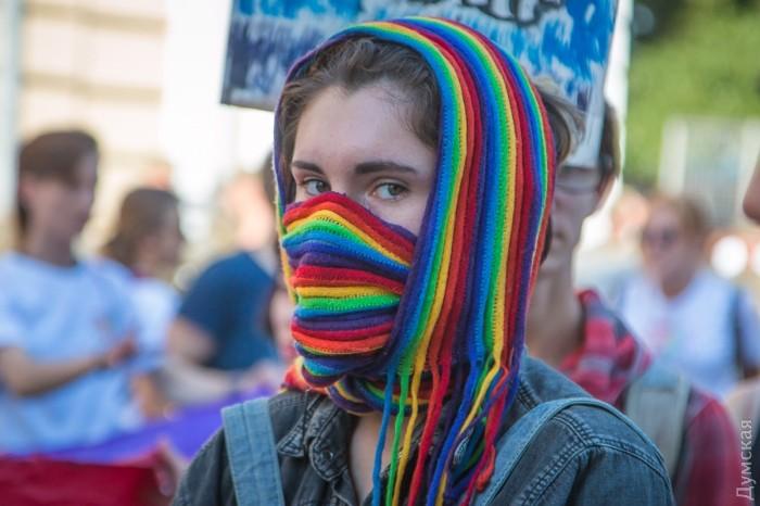 picturepicture_71935500194894_37212 Марш Равенства представителей ЛГБТ-сообщества «Одесса-Прайд» до финиша не дошел