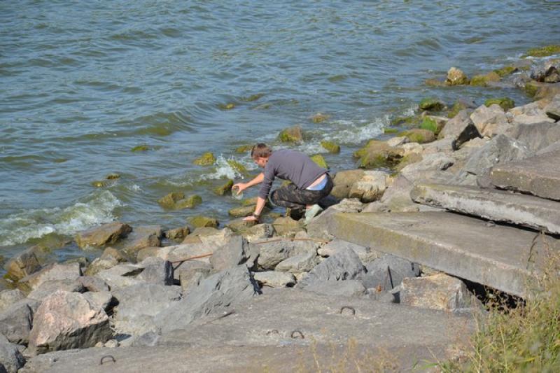 Журналисты измаильского издания провели мониторинг уровня солей в водных источниках города и района