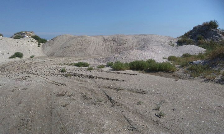 Браконьеры из ОК «Гранит-2» с помощью насыпи перекрыли кефали выход из Тузловских лиманов в море