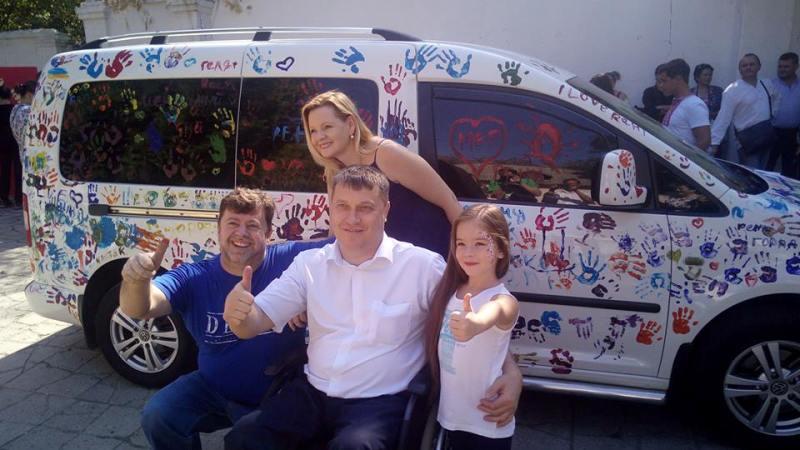 """В день города Рени дети сделали красочный """"тюнинг"""" машине мэра"""