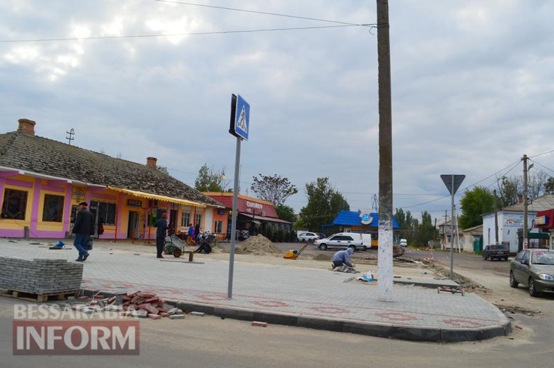 DSC_1824 На центральной площади Килии проложили первые метры тротуарной плитки