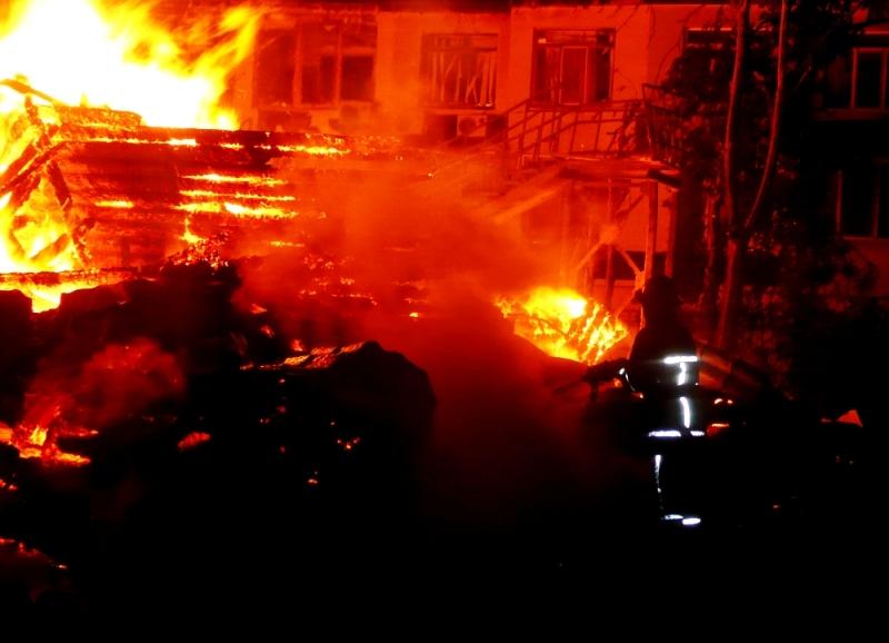 """P1290655 Прошедшей ночью в Одессе горел детский лагерь """"Виктория"""": погибли дети"""