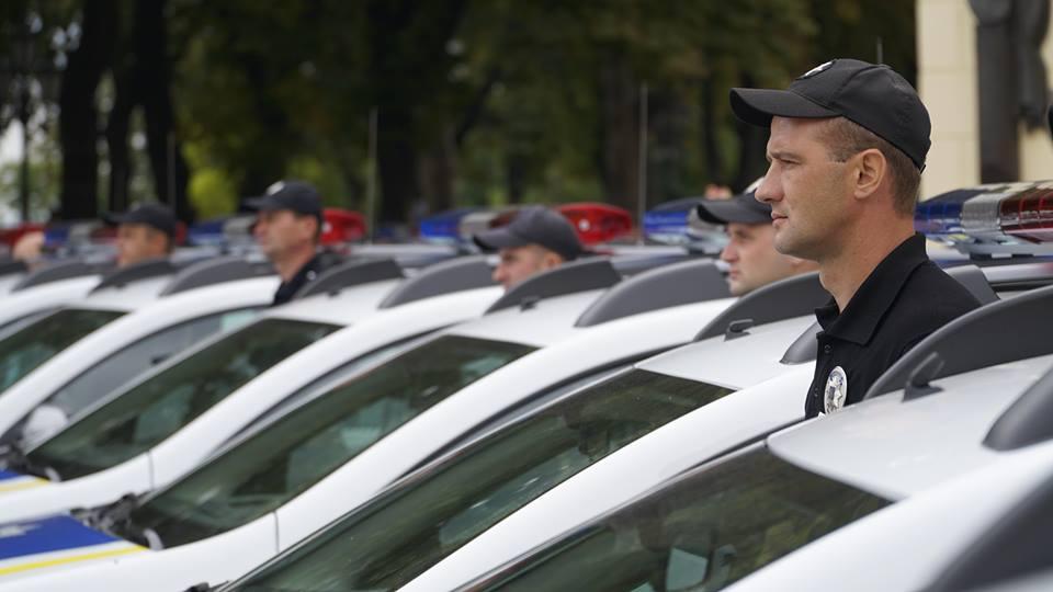 imgbig-8 Полицейские «бэтмены» Одесчины получили «крылья»: Максим Степанов передал правоохранителям 77 новых автомобилей