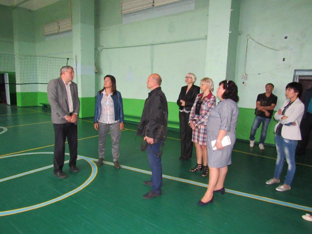 В Белгород-Днестровском мэр лично изучала проблемы общеобразовательных и дошкольных учреждений