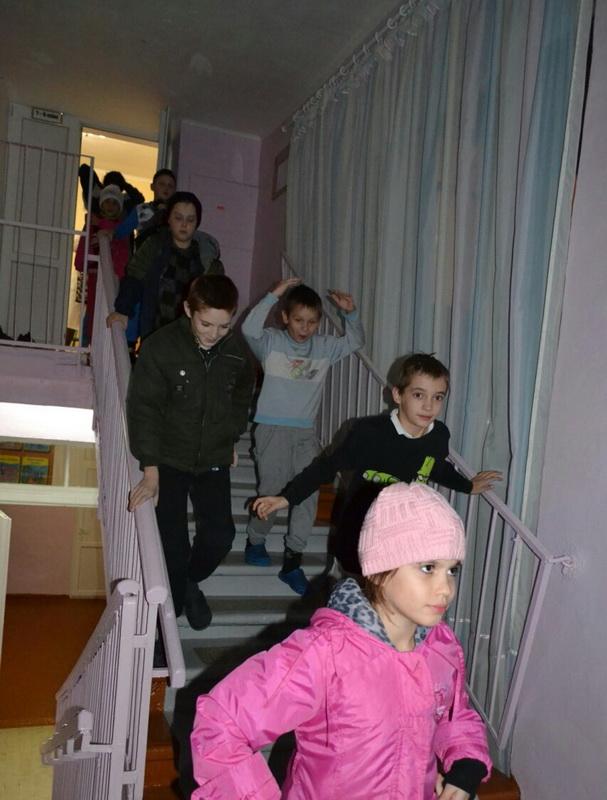 Белгород-днестровские спасатели совместно с педагогами школы-интерната провели тренировочную эвакуацию детей