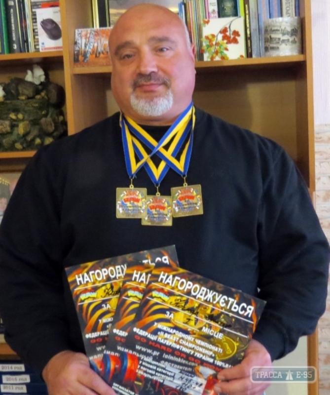 Бессарабский священник-тяжелоатлет побил новый рекорд Украины