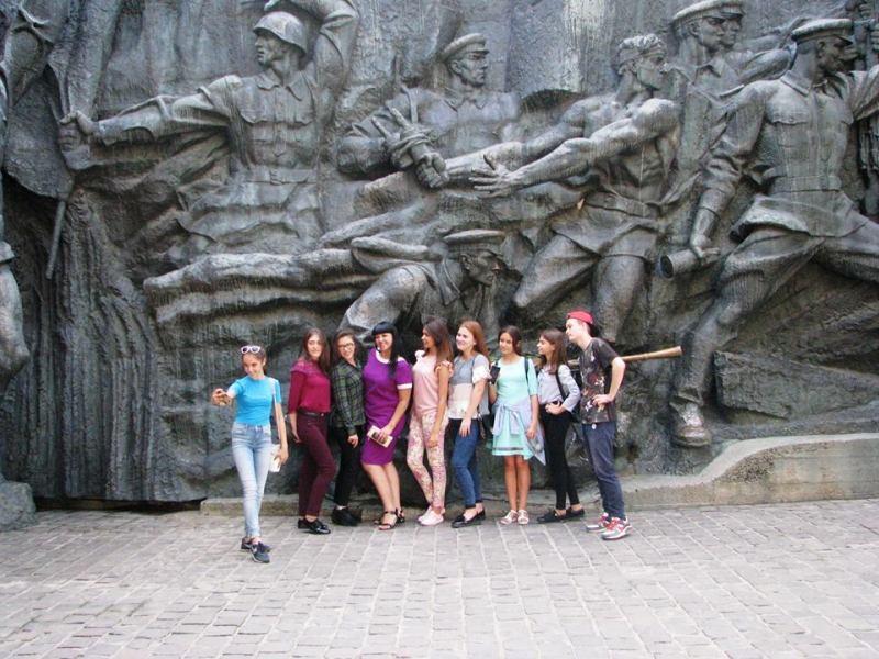 22045921_1774782816153101_2257379765364764927_n Одаренных школьников Бессарабии водили по Межигорью, Верховной Раде и инновационному парку UNIT.City