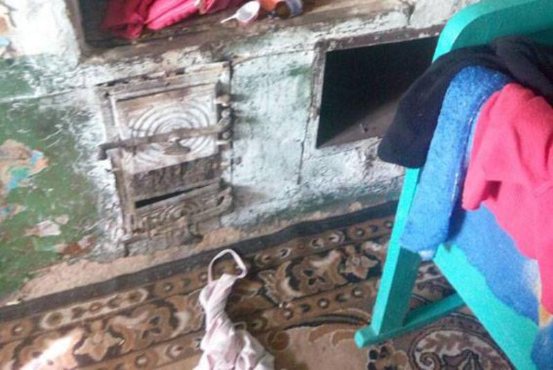 22728894_503389530018458_705193996580607660_n Дом без окон и дверей: в таких условиях в Измаильском районе с матерью-алкоголичкой проживает 4-летний ребенок
