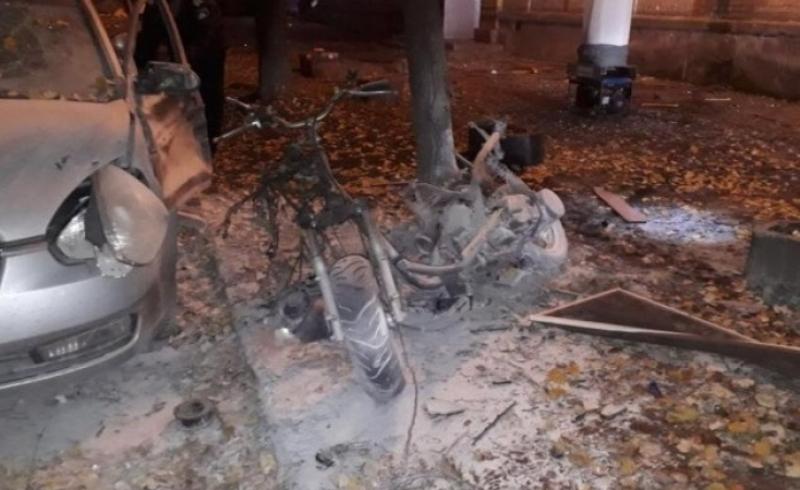 2_50 В Киеве в результате взрыва ранен нардеп Игорь Мосийчук, еще два человека погибли