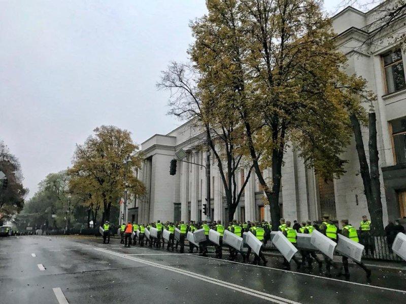 4_07 Сегодня в Киеве ожидаются массовые протесты - в столице усилили меры безопасности