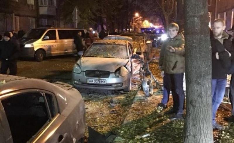 4_13 В Киеве в результате взрыва ранен нардеп Игорь Мосийчук, еще два человека погибли