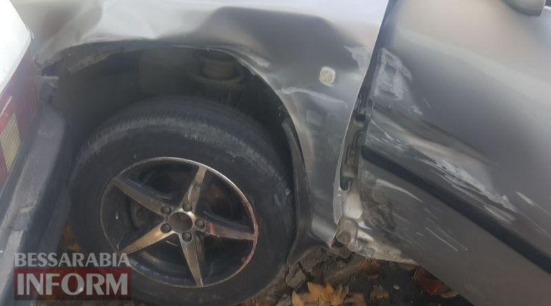 59e9d6b0861ae_viber-image В Измаиле напротив ЦРБ два автомобиля врезались в жилой дом
