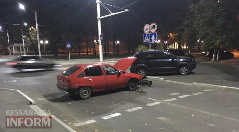 59f0314319bc1_324646 Вечер в Измаиле: Hyundai Tucson протаранил стоящий на светофоре Opel