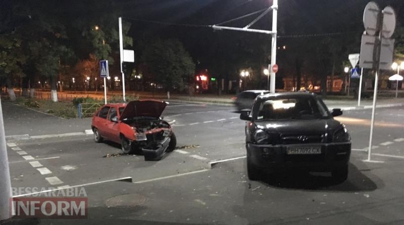 59f0314319c06_2346347 Вечер в Измаиле: Hyundai Tucson протаранил стоящий на светофоре Opel