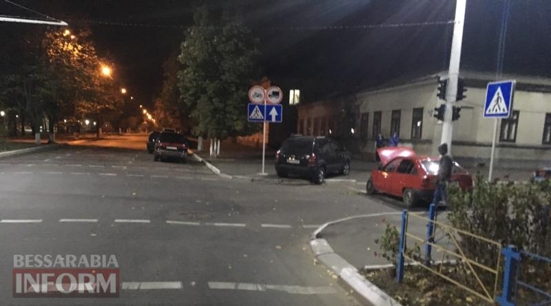 59f031431a664_3462346 Вечер в Измаиле: Hyundai Tucson протаранил стоящий на светофоре Opel