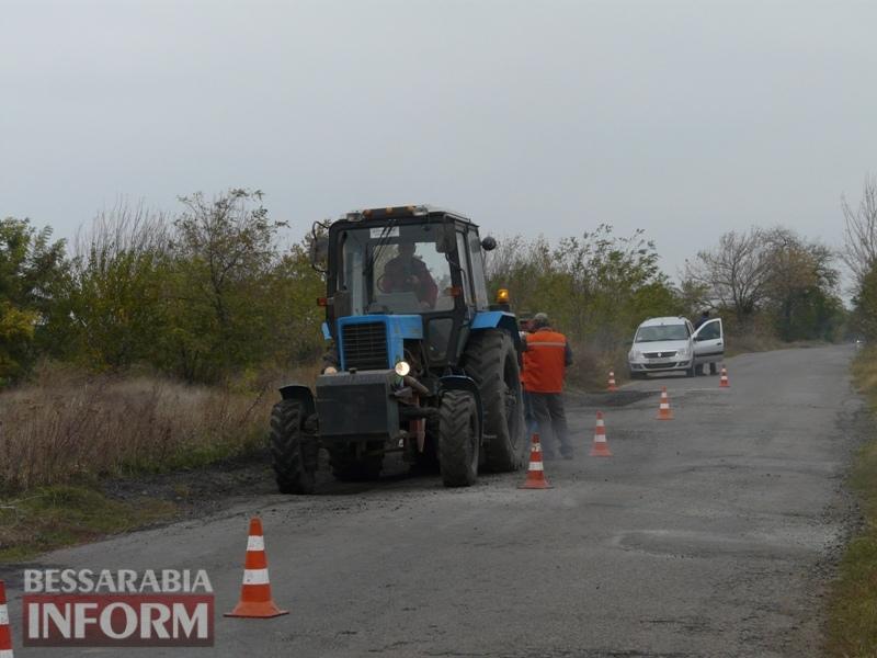 59f08bb4a8f29_P1140411 Дорожники ремонтируют дорогу на подъезде к самому крупному селу Измаильского района
