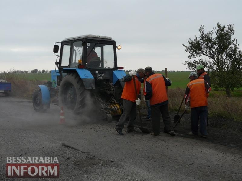 59f08bc43ce4a_P1140420 Дорожники ремонтируют дорогу на подъезде к самому крупному селу Измаильского района