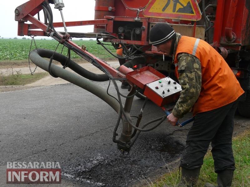 59f08bd694c95_P1140433 Дорожники ремонтируют дорогу на подъезде к самому крупному селу Измаильского района