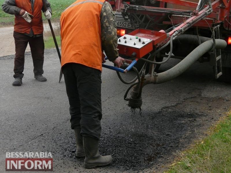 59f08c60a30a7_P1140438 Дорожники ремонтируют дорогу на подъезде к самому крупному селу Измаильского района