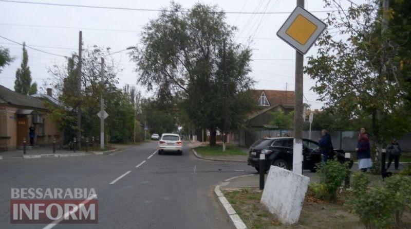 В Измаиле на Белгород-Днестровской столкнулись Mercedes и Mazda