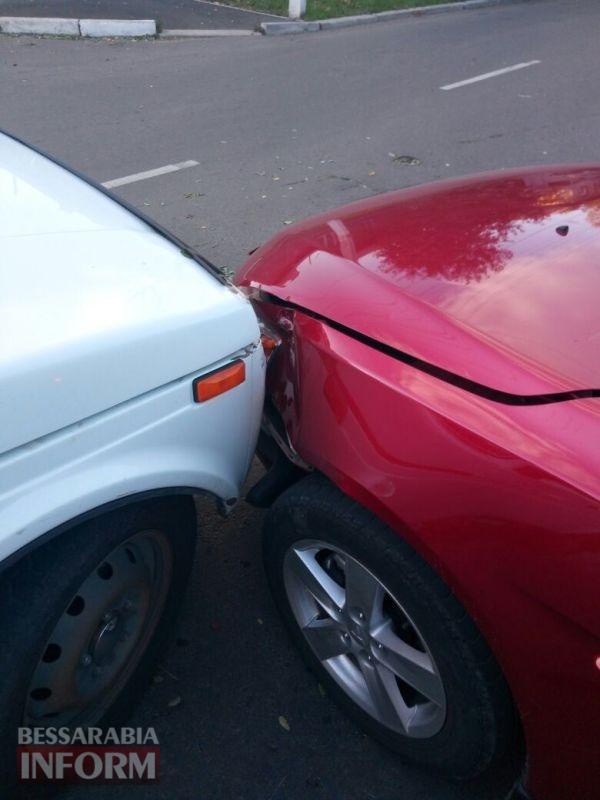 ДТП в Измаиле: на Белгород-Днестровской Mitsubishi Lanсer не пропустил Ниву