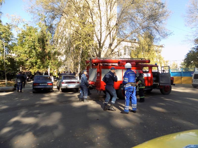 """DSCN0255 Измаильский отдел полиции был экстренно """"эвакуирован"""" из собственного здания"""