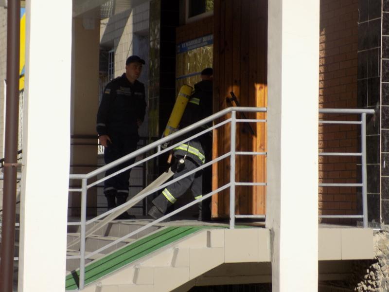 """DSCN0266 Измаильский отдел полиции был экстренно """"эвакуирован"""" из собственного здания"""