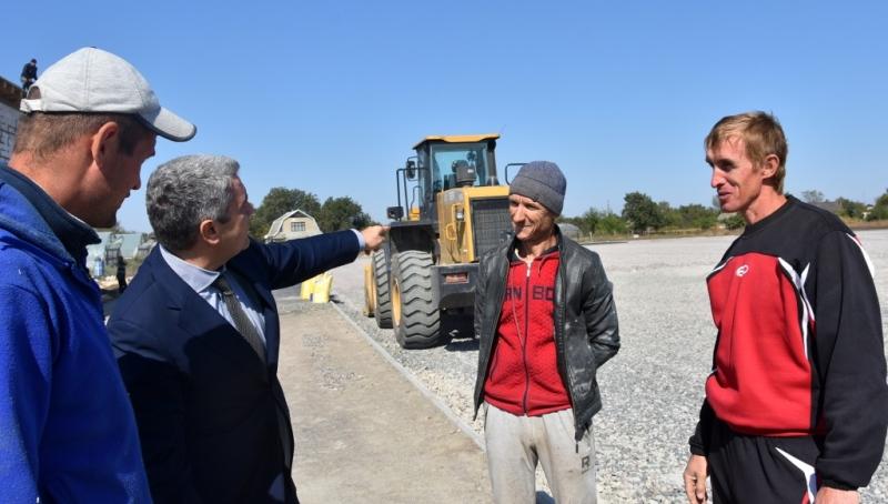 """""""Чтобы молодежь не убегала в большие города"""": в Маяках в строительство стадиона вкладывают миллионы гривен"""