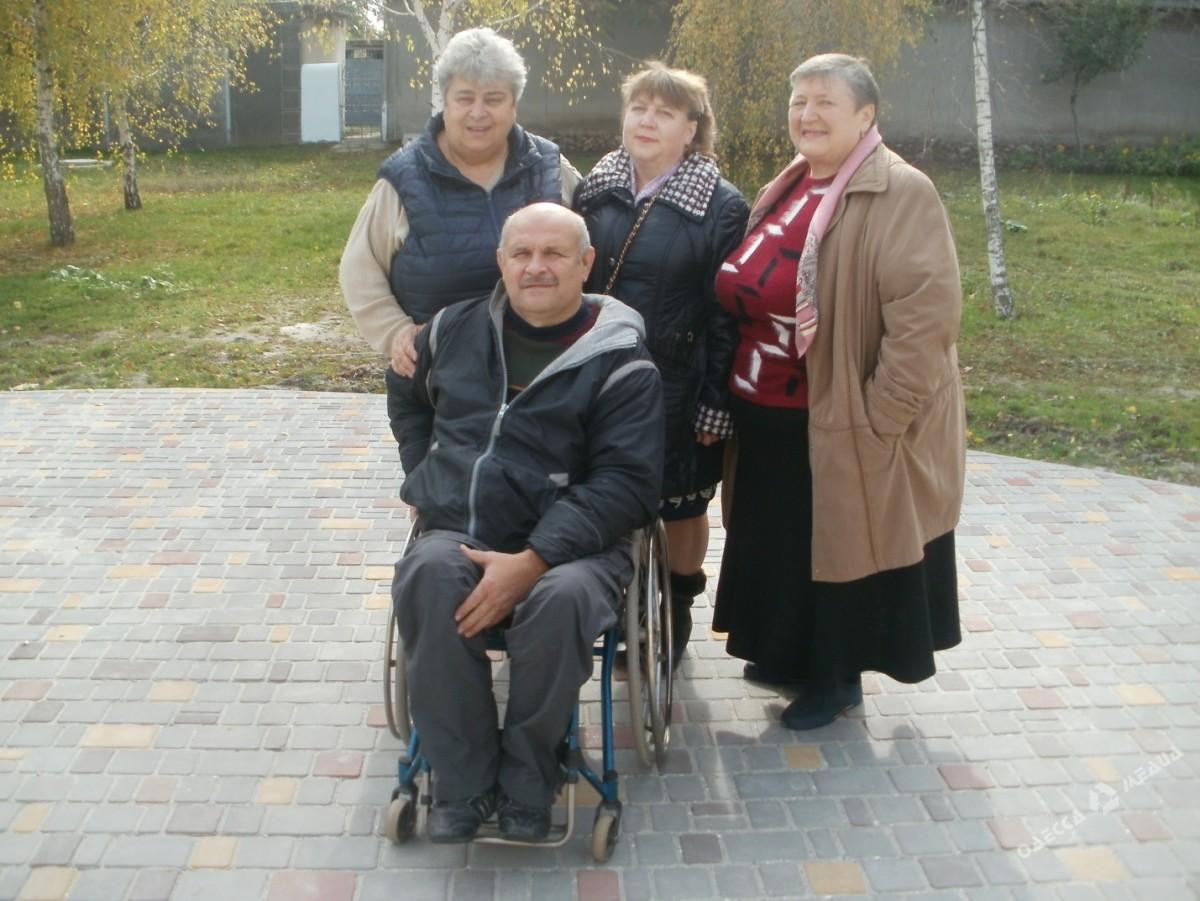 acc264a2331cf7b96ea37443233f1efa В шумном зале ресторана: в селе Саратского района для пожилых людей устроили шикарный праздник