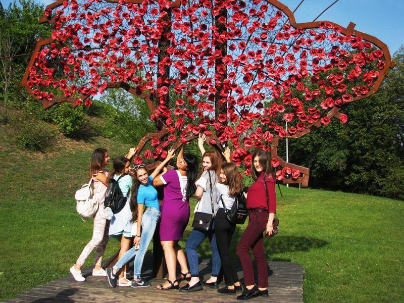 djn Одаренных школьников Бессарабии водили по Межигорью, Верховной Раде и инновационному парку UNIT.City