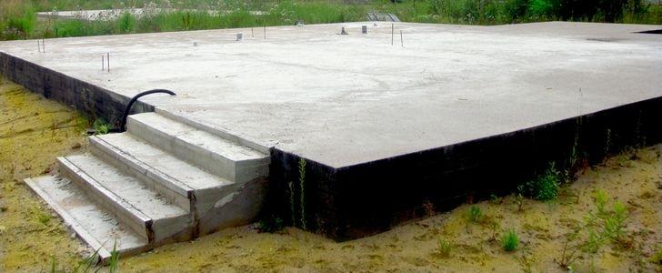 monolitnyy-fundament-6 Строим канадский дом из SIP панелей своими руками