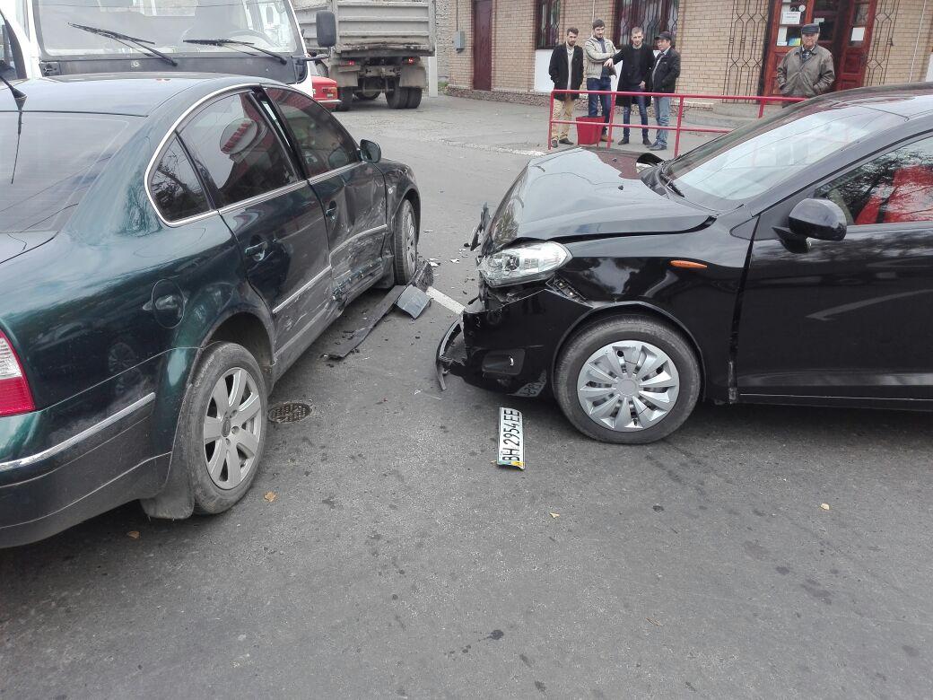 0987654 В Измаиле на перекрестке столкнулись три автомобиля