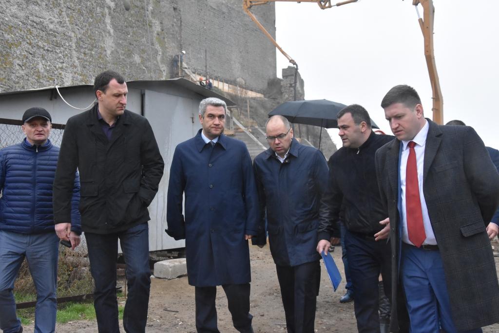 13f Главы облсовета и ОГА остались недовольны темпами реконструкции Аккерманской крепости