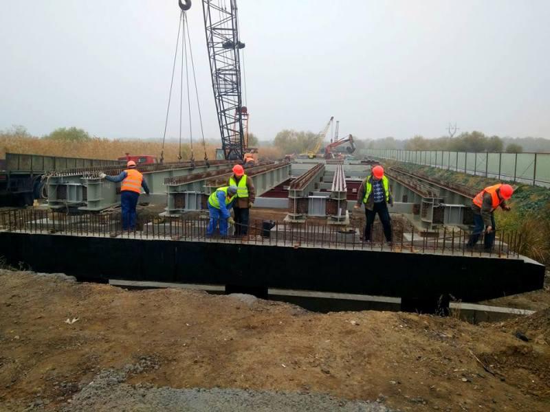 2-3 Глава САД проверил ремонт моста в районе Паланки - прогнозов о завершении строительства не дал