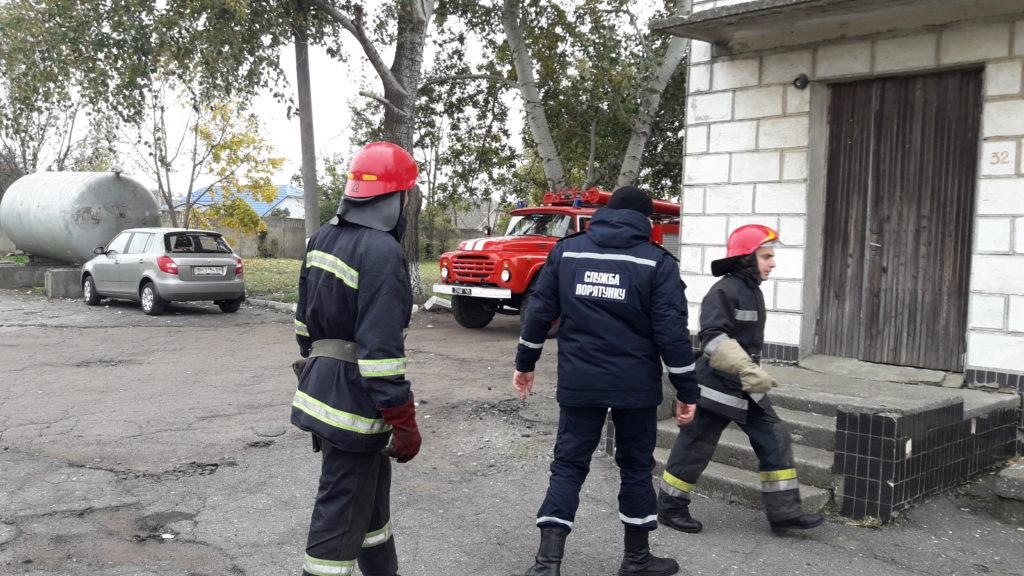 Измаильские спасатели отрабатывали с сотрудниками «инфекционки» действия в случае возникновения пожара