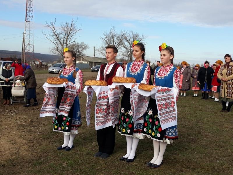 20171121_113232 Начало новой жизни: в селе Тарутинского района запуск газа встречали аплодисментами и плясками